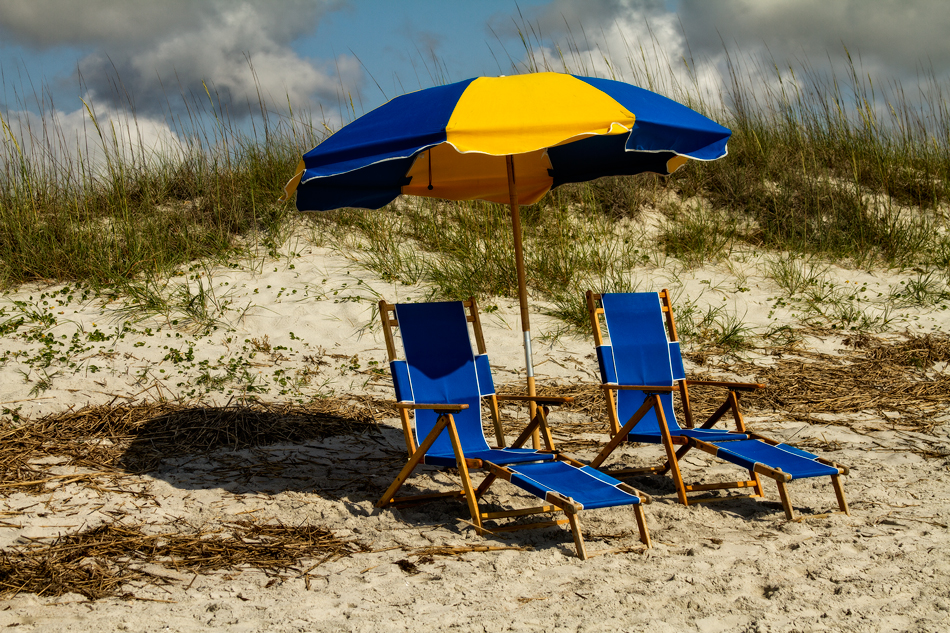 It's the perfect invitation for some R&R on this sun drenched beach.  Bye . . .